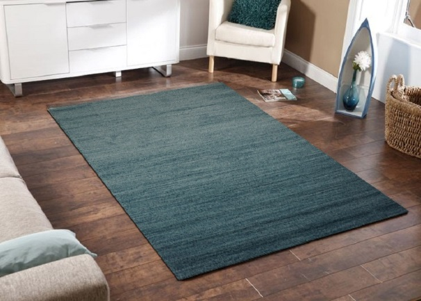 Nên chọn thảm có gam màu trung tính